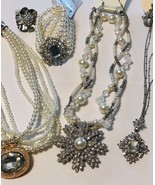 Pretty in Sparkling clear crystal and pearls Jewelry lot of vintage fash... - $25.00