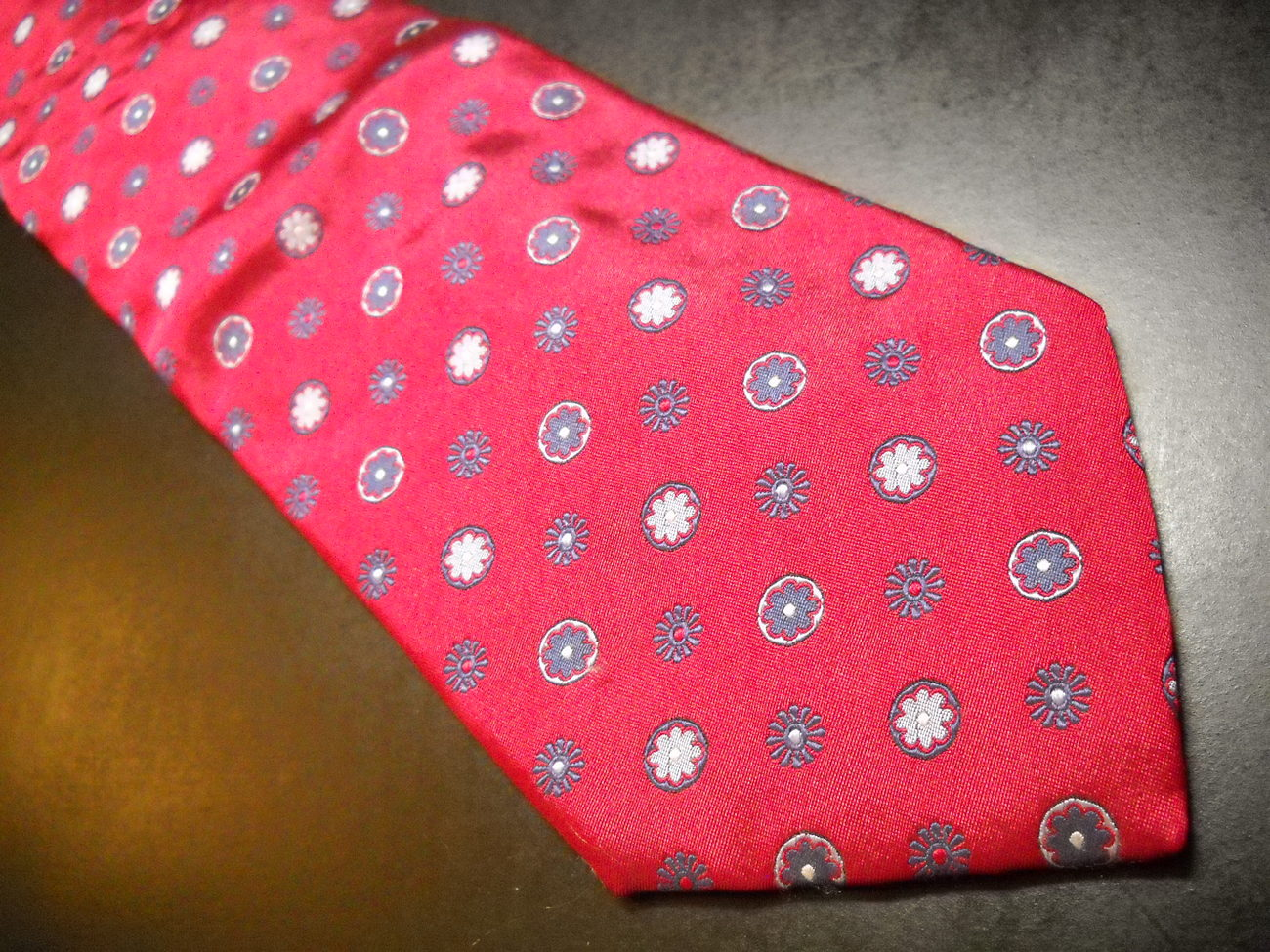 Joseph Abboud Neck Tie Bright Reds Silver Blue Flower Accents Tie Made in Italy