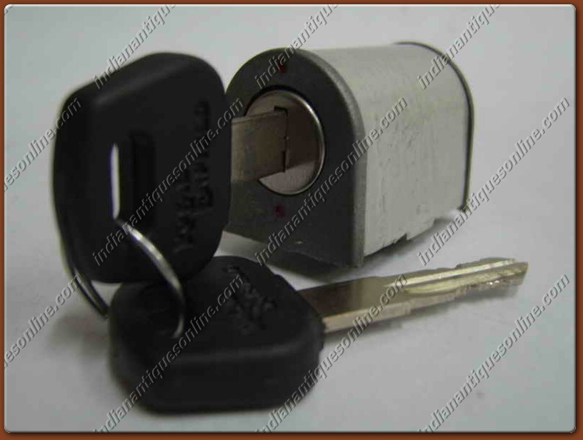 """Reliable & Solid"" Handle lock for Royal Enfield BN"