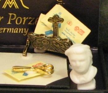 Desk Set Reutter Dollhouse bust blotter quill ink pot 1:12