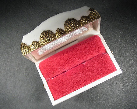 vintage ring display jewelry box: Dennison fancy velvet-lined treasure chest