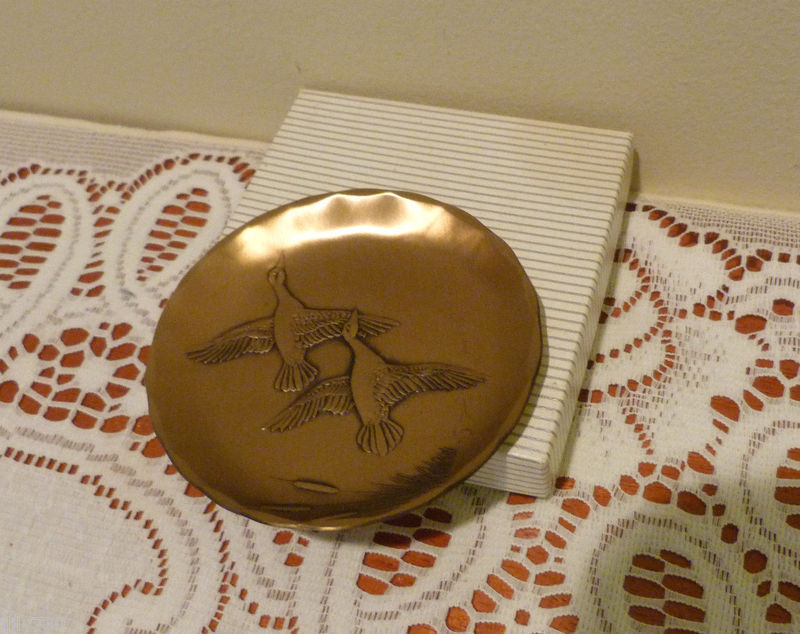 "Wendell August Handmade Bronze 3 1/2"" Small Plate / Coaster Ducks in Flight"