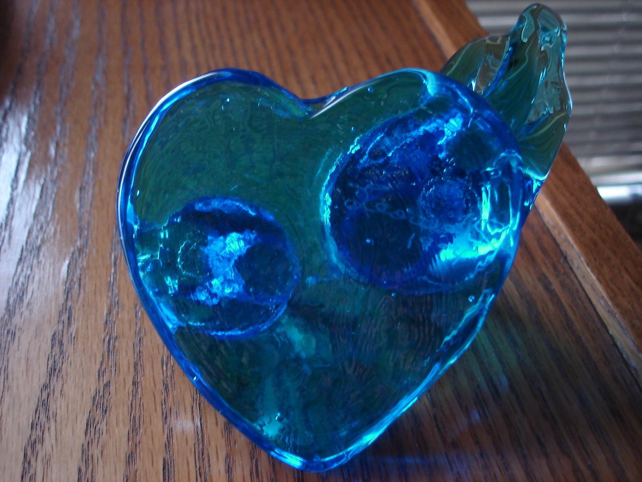 Leo Ward Solid Glass Bluebirds Figurine, Heart Base
