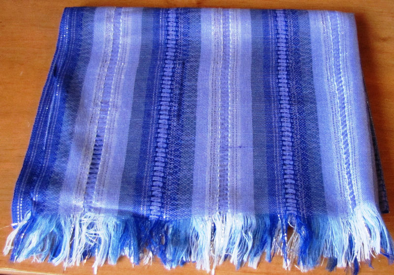 NEW HAND-MADE DELICATE SCARF/SHAWL,LATIN AMERICA,LILAC