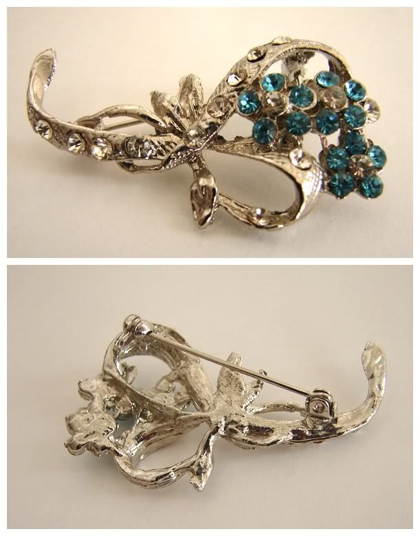 VINTAGE BEAUTIFUL JEWELED FLORAL BOUQUET&BOW BROOCH PIN