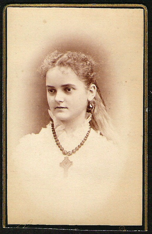 ANTIQUE BEAUTIFUL YOUNG GIRL REAL PHOTO PHOTOGRAPH