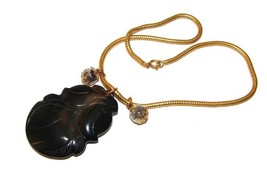 ORIENTAL CARVED FRUIT AGATE GORGEOUS NECKLACE  - $75.00