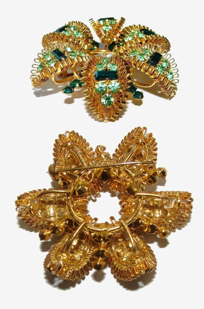 SIGNED AUSTRIA UNUSUAL ARCHED JEWELED VINT BROOCH PIN