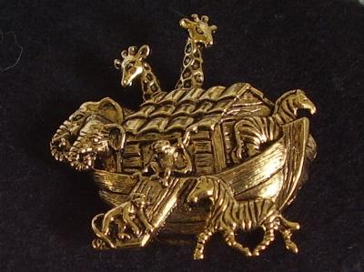 Vintage Gold Tone Noah's Ark Pin Brooch