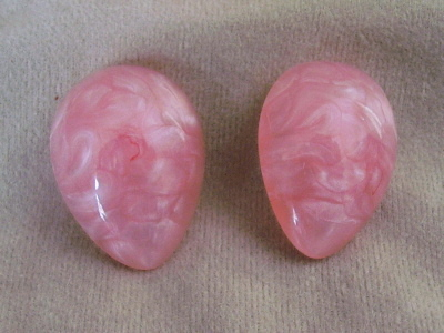 Vintage Pink Marblized Plastic Clip On Earrings