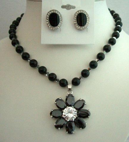 Mystic Swarovski Black Pearls Necklace Flower Pendant & Onyx Earrings