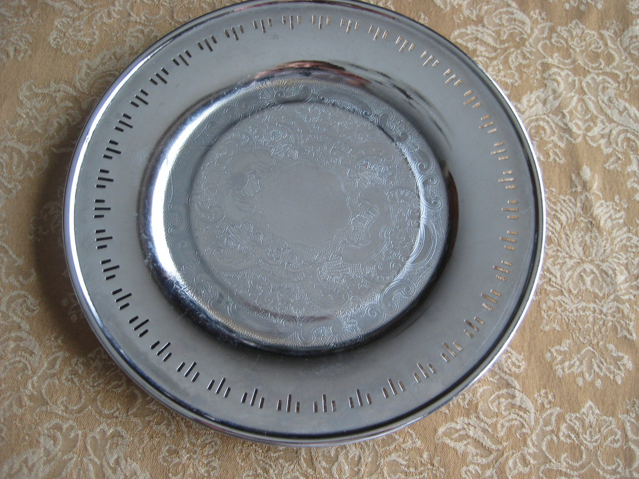 Vintage 1930 Viking Plate Silverplate Round Tray