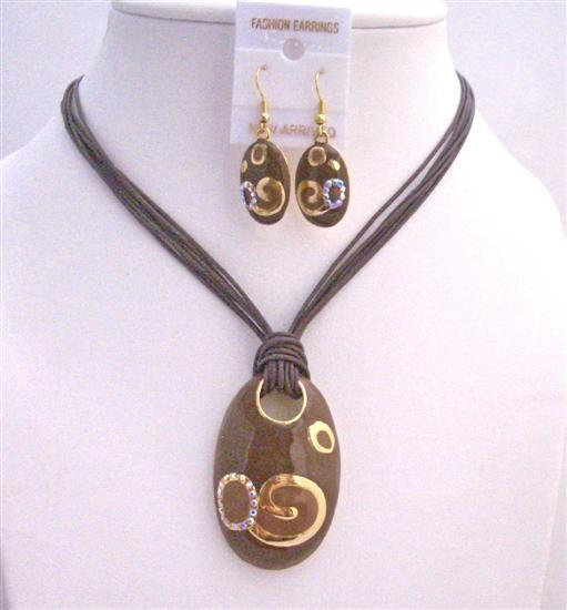Brown Gold Jewelry Set Enamel Brown Pendant w/ Paint Designed Gorgeous