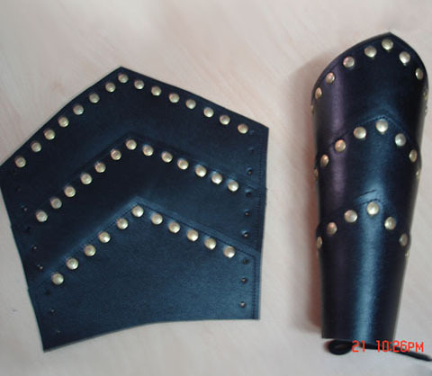 MEDIEVAL ARMOR LEATHER LEG GUARD Metal Stud Accents Re-enactment Armour Costume