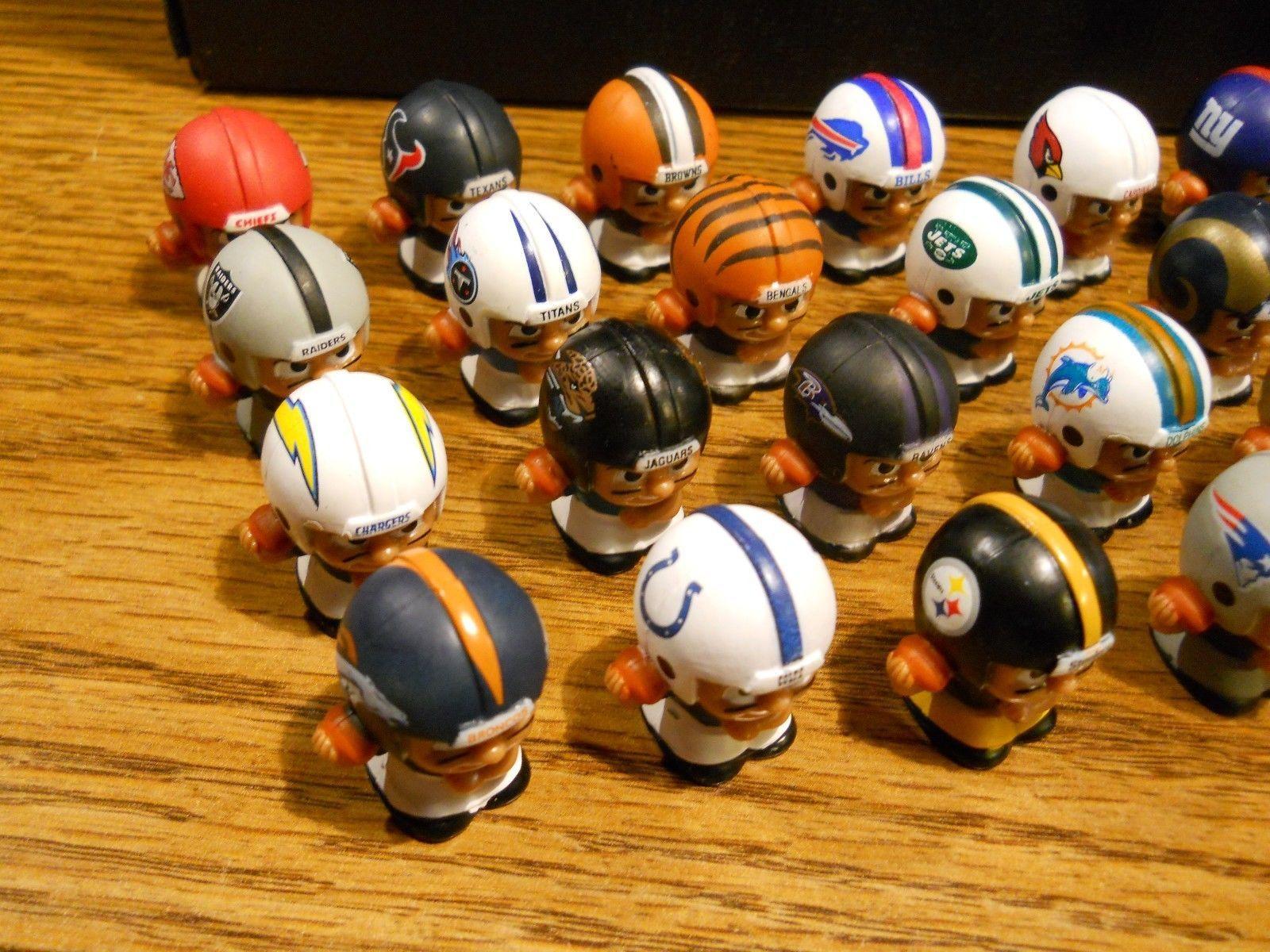 NFL FOOTBALL QUARTERBACKS TEENYMATES FIGURES SERIES 1 -  PICK YOUR FOOTBALL TEAM image 2