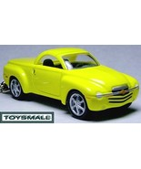 KEY CHAIN 2007/2008/2009 YELLOW CHEVY SSR KEYRING PORTE CLE - $39.95