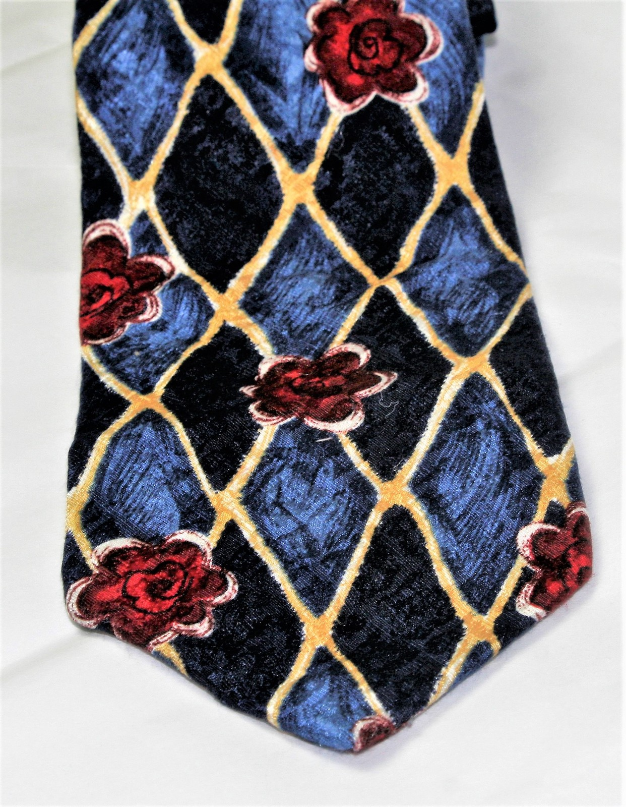 Classic Geoffrey Beene 100% Silk Men's Necktie Blues/golds/reds image 1
