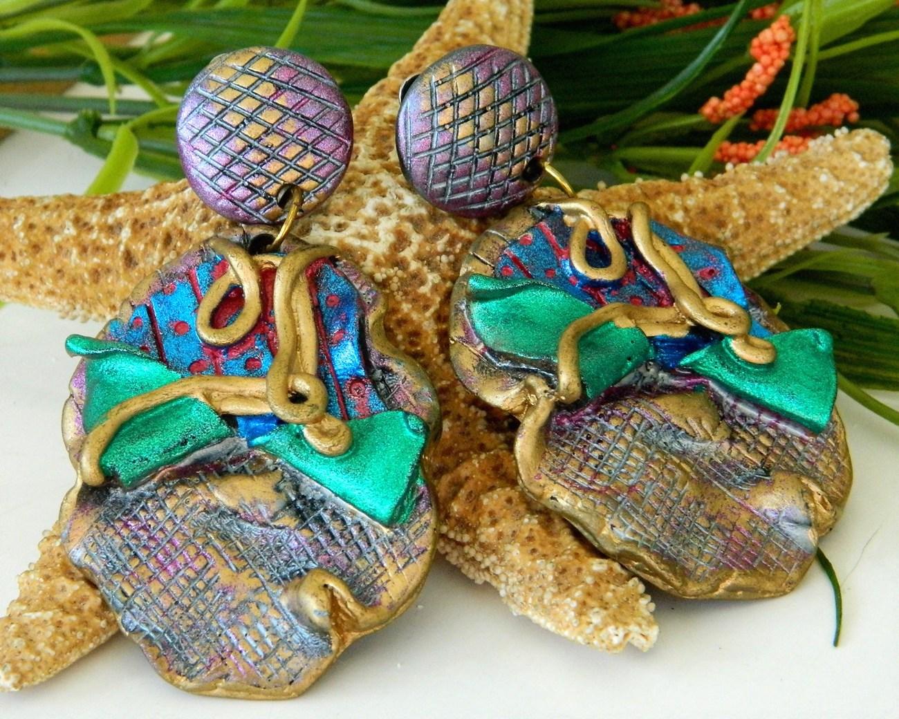 Vintage artisan handmade earrings dangle clips purple runway