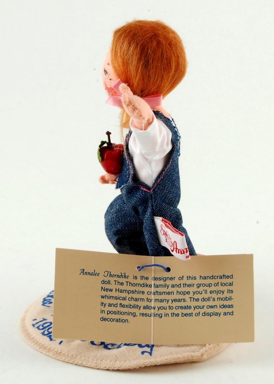 "Annalee 7-1/2"" 1992 Doll Society Logo School Kid 9651 Female Student"
