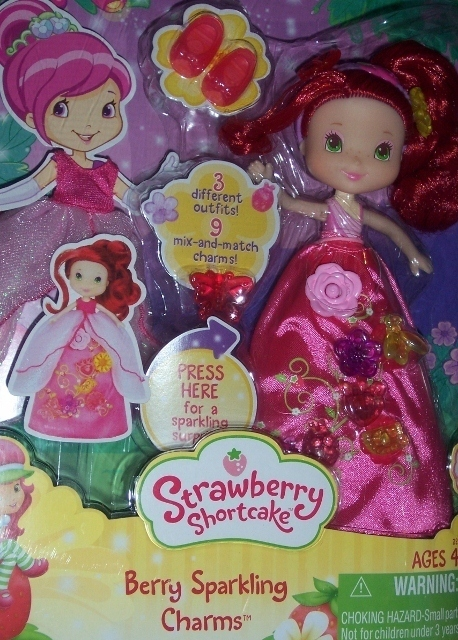 Strawberry Shortcake Berry Sparkling Charms Doll 3 Outfits NEW Dress Lights Up