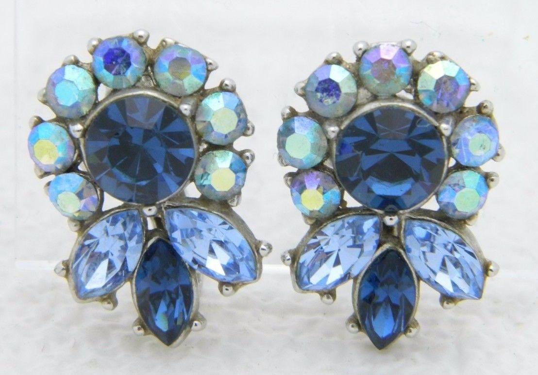 VTG RARE CROWN TRIFARI Silver Tone Blue Rhinestone Flower Clip Earrings - $74.25