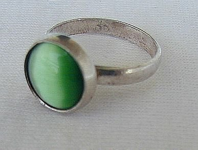 Green cat eye silver ring