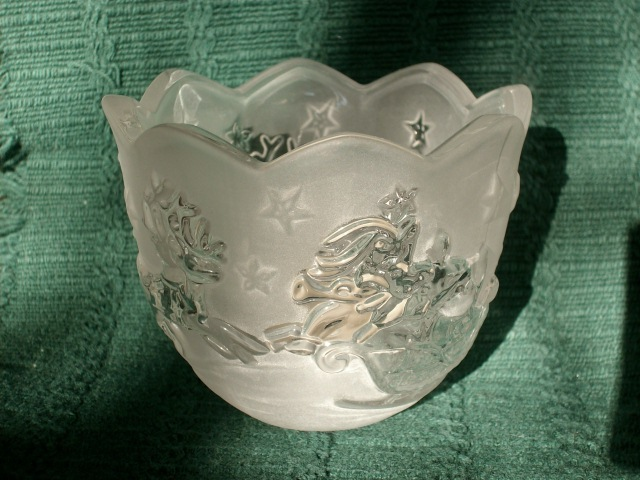 MIKASA HOLIDAY CLASSICS SANTA VOTIVE FROSTED GLASS CANDLE HOLDER - NEW!  image 4