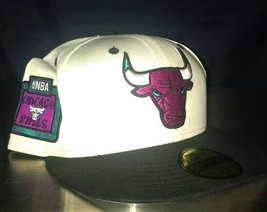 Chicago Bulls NBA Embroidered Hat New Era 59Fifty. Size 7 3/8 Fitted Cap Lid - $37.66