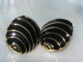 Estate Napier Signed Black Enamel & Goldtone Abstract Sea Shell Post Ear... - $7.78