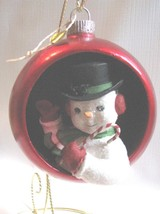 "Snowman Ornament 4-1/2"" Red Ball Diorama Retro Snowman Bethany Lowe - $26.72"