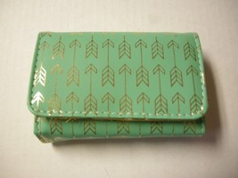 Pill Box With Cover, Green W/Gold Arrows, By DM Merchandising, 8 Days, B... - $7.99