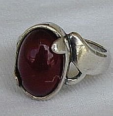 Red silver ring E