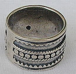 Pitulim silver ring