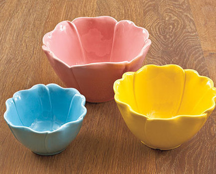 Set of 3 Flower Petal Bowls Ceramic