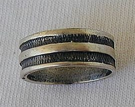 Silver strips ring