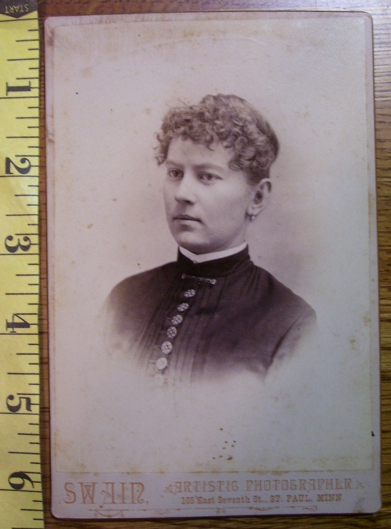 Primary image for Cabinet Card Pretty Lady Vignette Style Buttons! c.1866-80