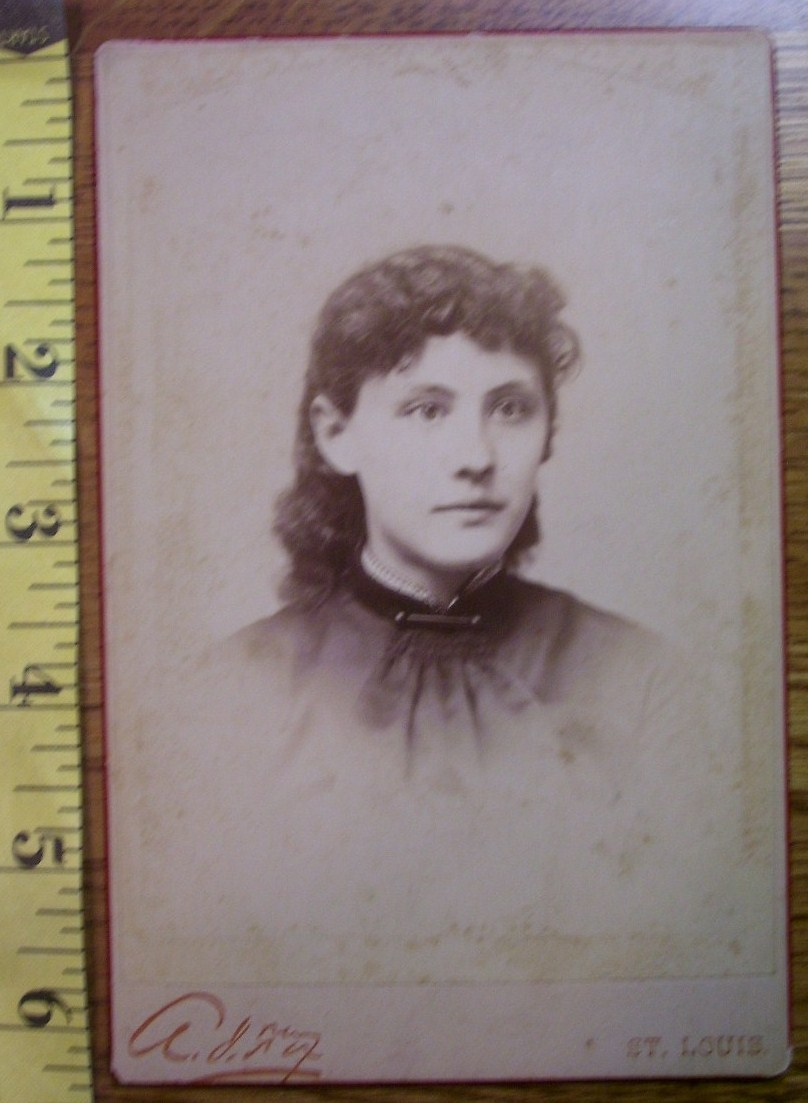 Cabinet Card Beautiful Young Lady w/Lovely Eyes! c.1866-80