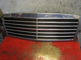 96 97 99 98 Mercedes Benz E320 oem front grill ... - $24.74