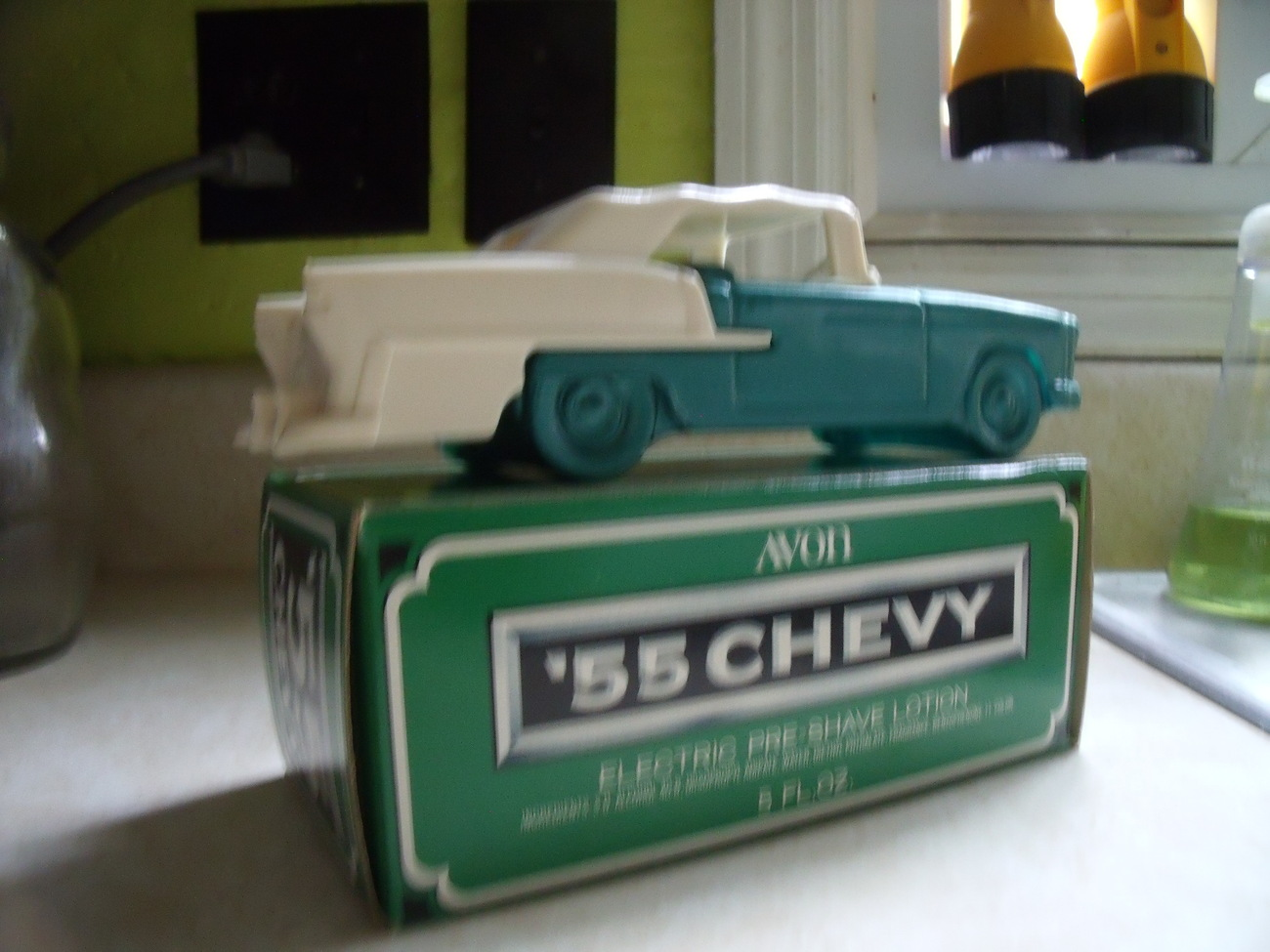 Avon 1955 Chevrolet Convertible Bottle NIB