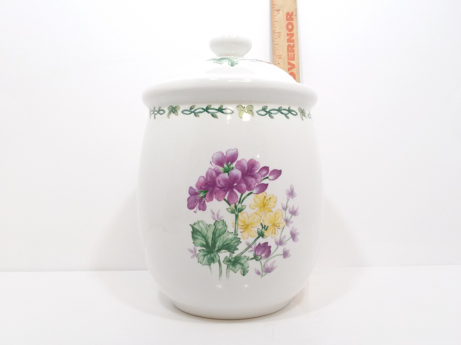 """Thomson Pottery Floral Garden Medium Canister 7"""""""