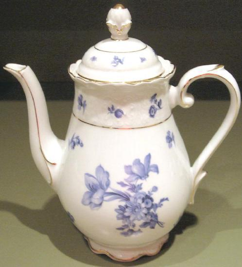 Teapot blue   white  1
