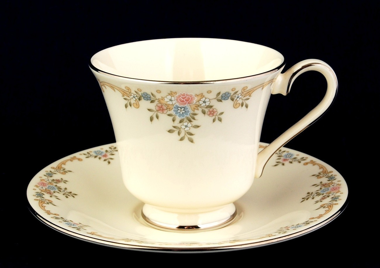 Primary image for Royal Doulton Giselle Cup and Saucer Romance Collection H5086