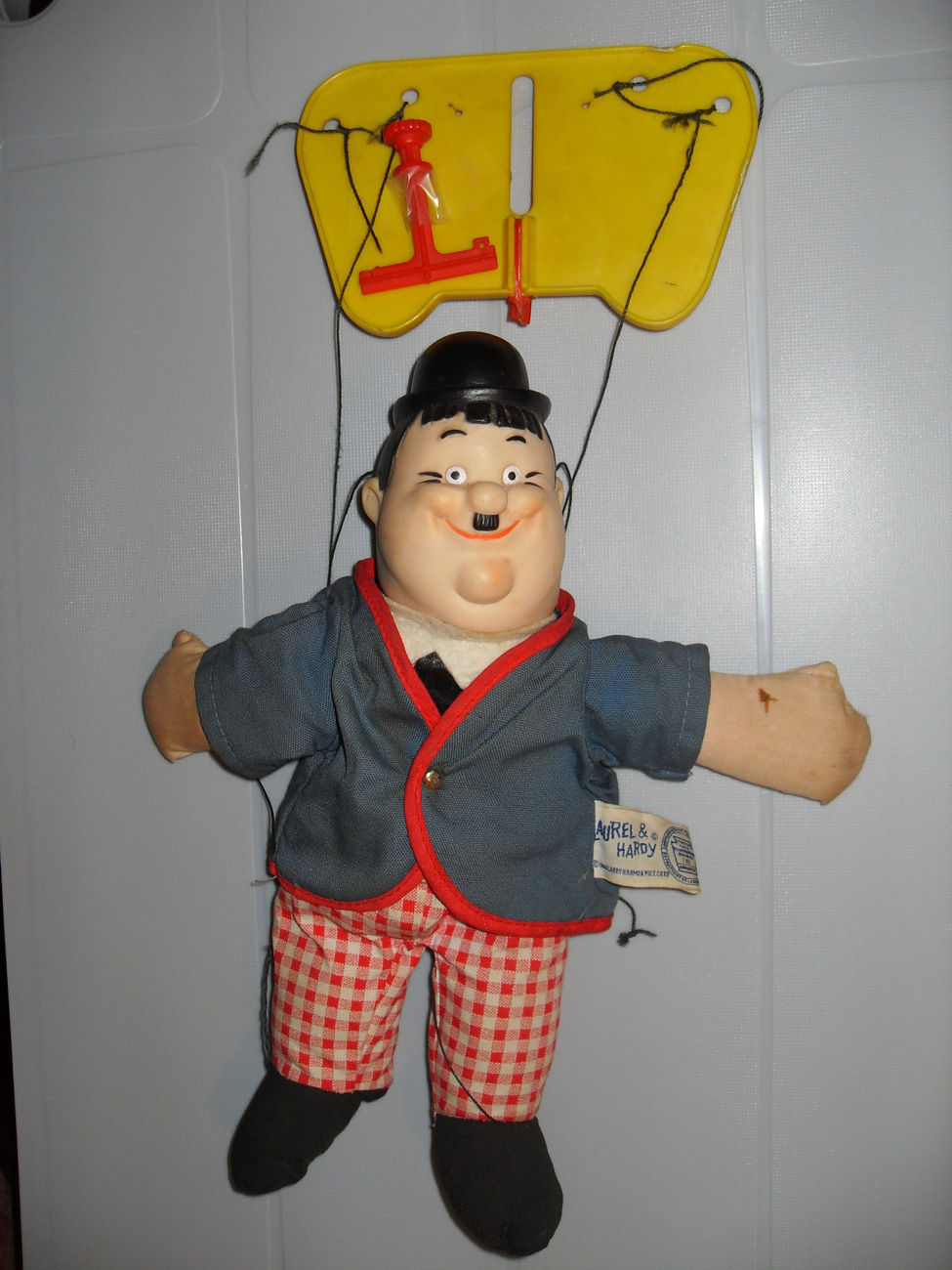 Vintage 1966 Laurel And Hardy Knickerbocker Strings Puppet