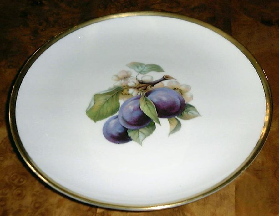 Plum Fruit Plate with Gold Trim Bavaria Dresden Germany