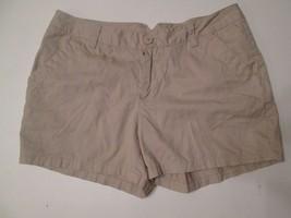 "women's Columbia size 10 utility shorts WAIST 16.5"" & 14"" LONG TAN # V5 - $16.99"