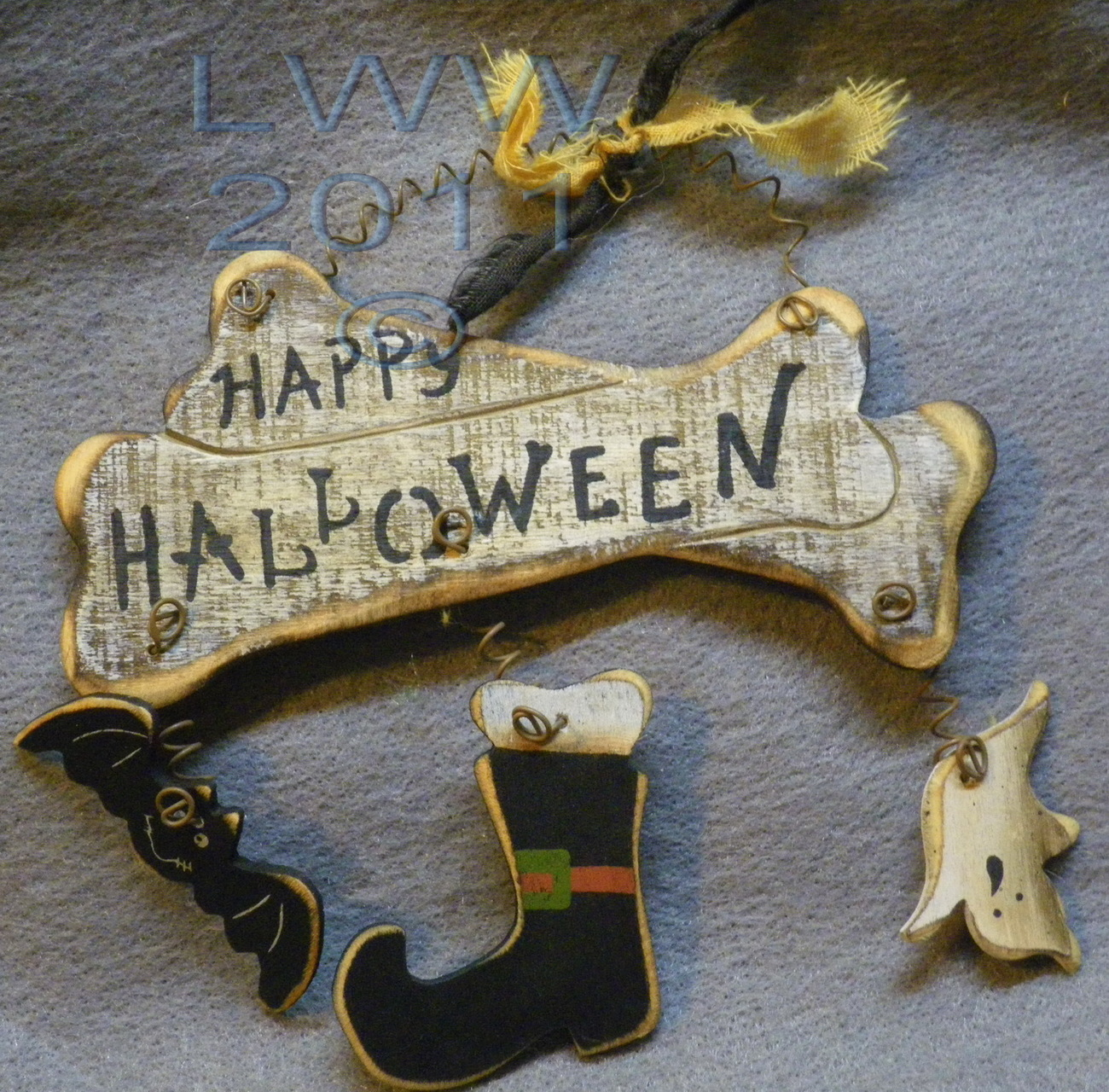 Small Bones Ghost Bat Witch Shoe Boot Happy Halloween Primitive Sign Ornament