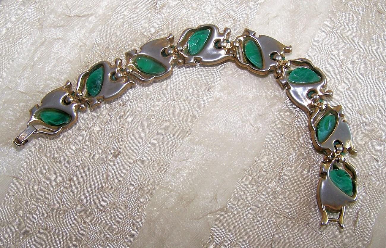 Vintage Crown Trifari Green Marbled Cab Bracelet