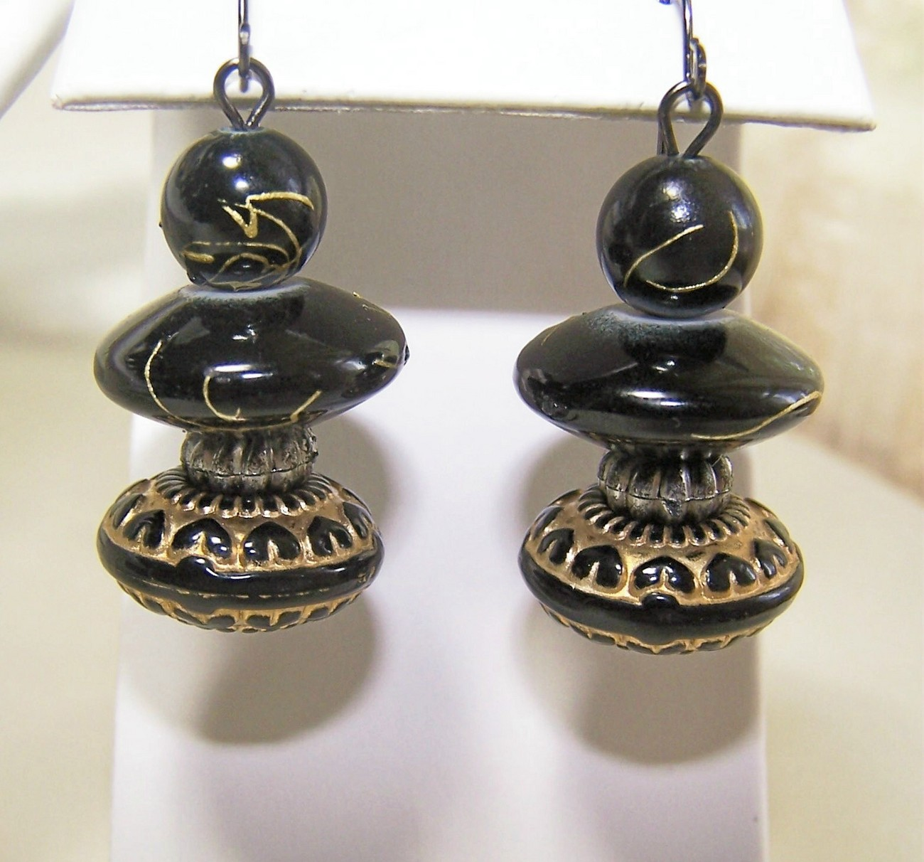 Chunky Black & Golds Necklace & Pierced Earrings Set