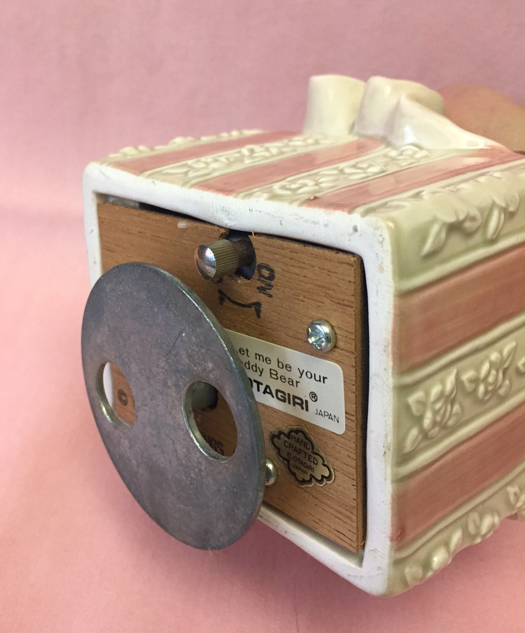 Vintage Otagiri Japan music box Let Me Be Your Teddy Bear wind-up ceramic pink