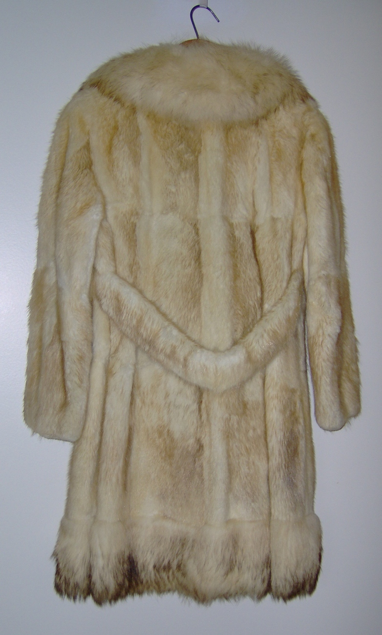 Women's Vintage Coyote Fur Coat Steen Wright Furriers Luxuriously Soft
